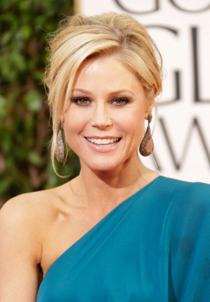 Julie Bowen Attanding 70th Annual Golden Globe Awards 2013
