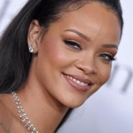 Rihanna Denial on Having Plastic Surgery